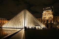 pyramide_du_louvre